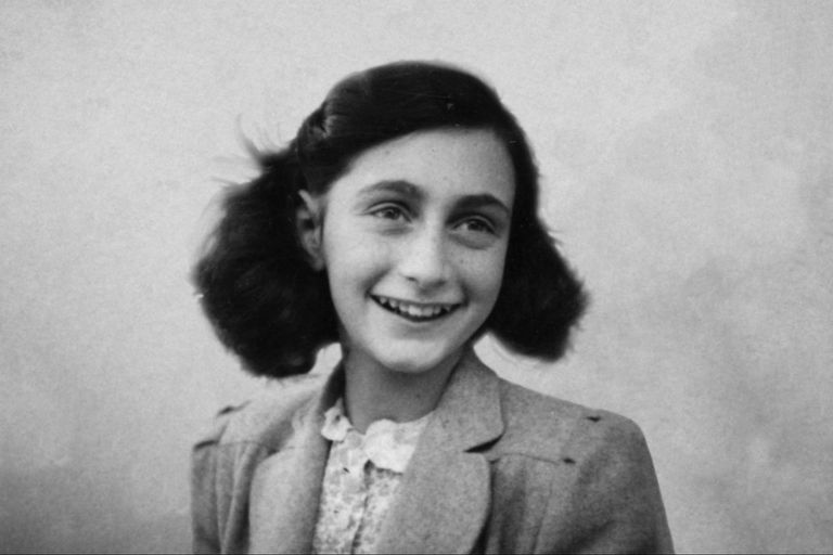 Documentó su cautiverio a lo largo de dos años mientras se ocultaba de los nazis. Fuente: AnneFrank.org
