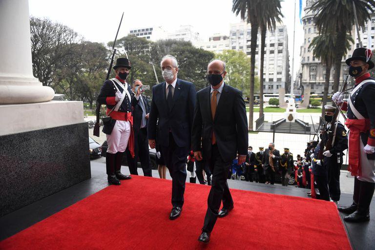 El ministro de Defensa, Jorge Taiana, encabezó la IV Reunión de la Comisión de Diálogo Bilateral en materia de Defensa entre la Argentina y Uruguay