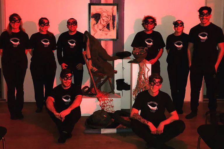 El grupo de artistas que integra el Teatro Sensorial a Oscuras