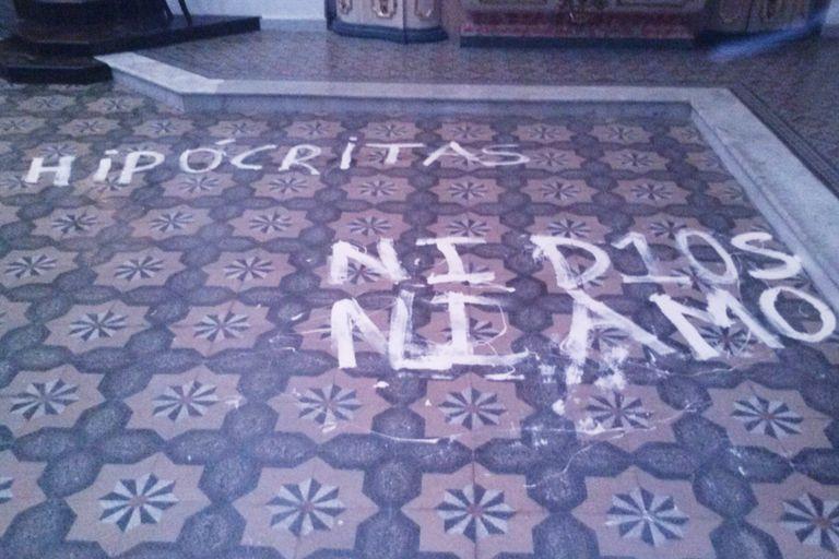 Iglesia San Ignacio de Loyola luego de que los alumnos del Nacional Buenos Aires ocasionaran algunos destrozos