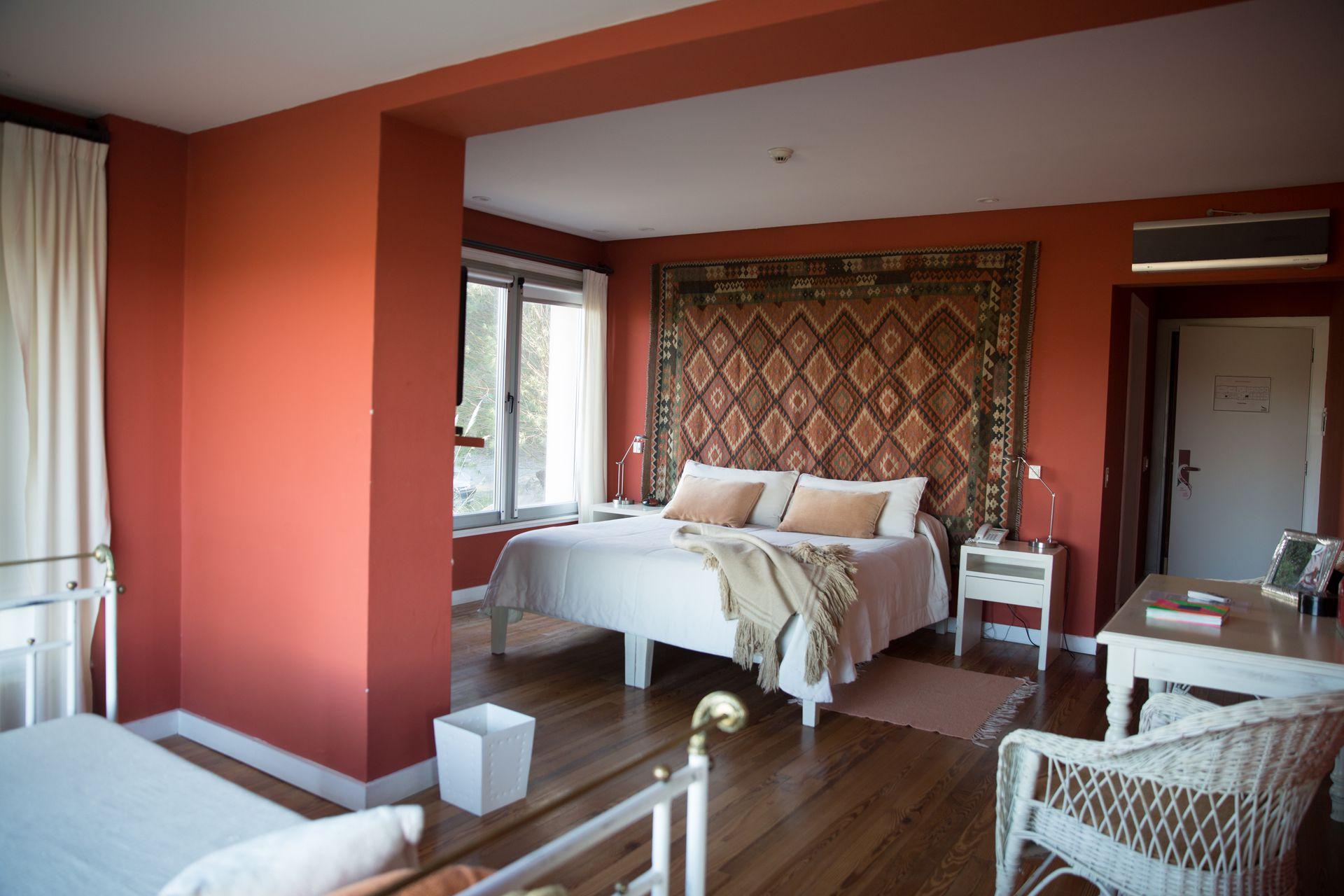 Las 33 habitaciones de Amaiké Golf & Spa tienen nombres de jugadores de golf. Son amplias y luminosas.