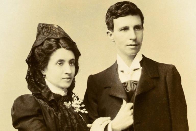 Marcela Gracia Ibeas y Elisa Sánchez Loriega se conocieron en 1885 sin saber que un siglo más tarde se convertirían en pioneras en la lucha por la igualdad
