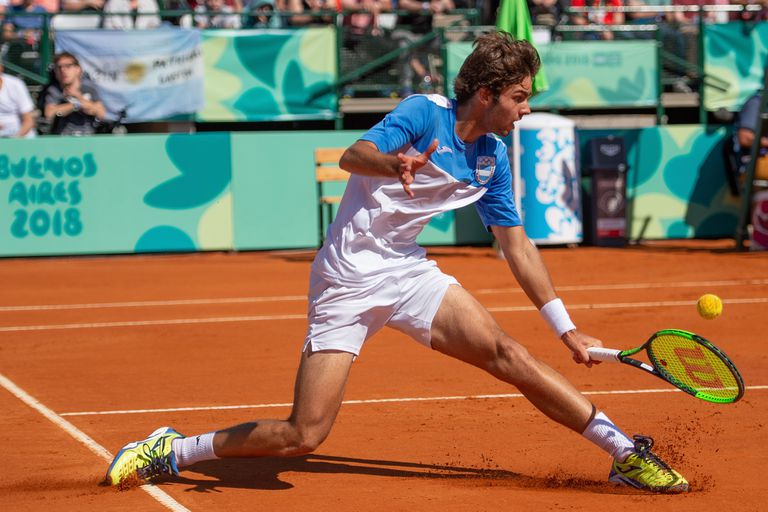 Díaz Acosta, de jugar para 10 personas a llenar la Catedral del tenis argentino