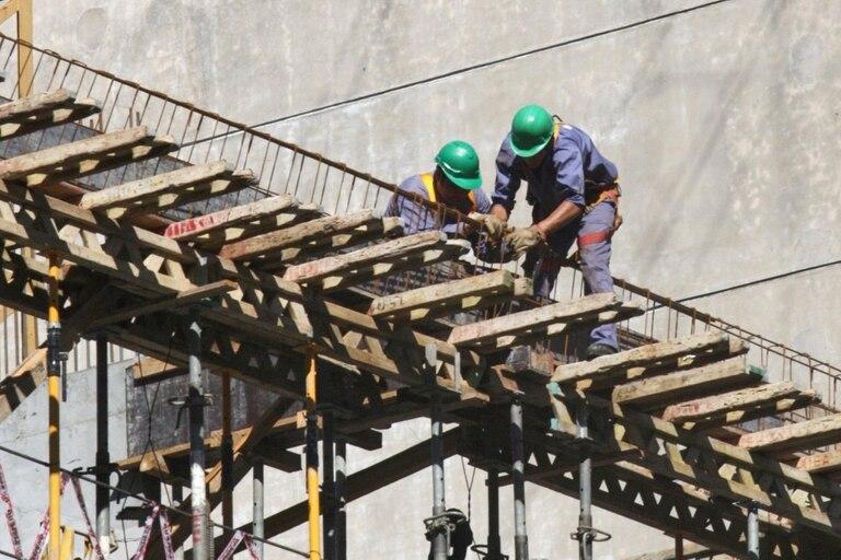 Pese a un leve crecimiento respecto de agosto, la construcción fue uno de los sectores en los que más cayó el empleo privado respecto de septiembre del año pasado