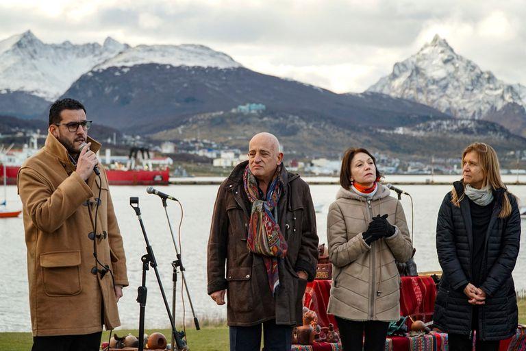 Zamora, Jozami y Wechsler, en la inauguración de Bienalsur
