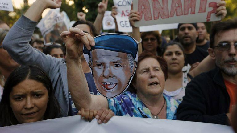 Mar del Plata: marcha en repudio por la prisión domiciliaria para Etchecolatz
