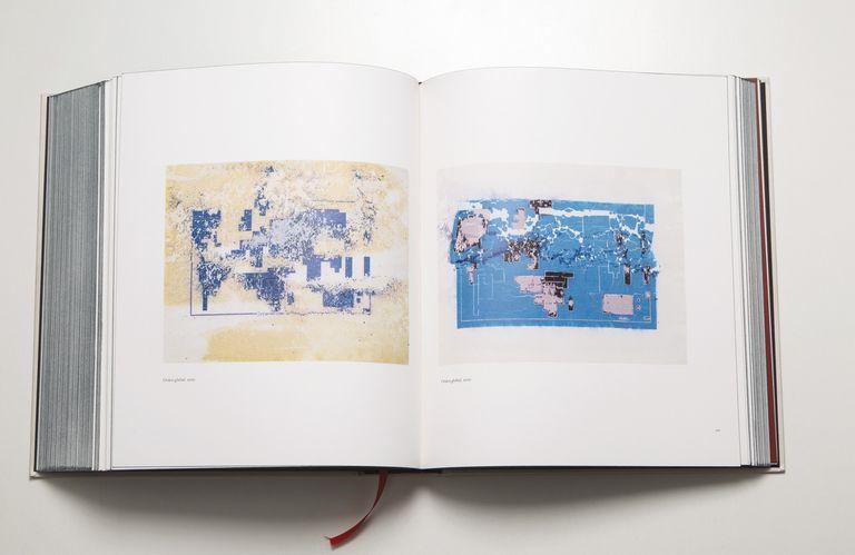 El flamante libro Collected Drawings 1971 – 2017 (JRP Ringier/KBB), reúne casi 700 de los 3000 dibujos que produjo Kuitca