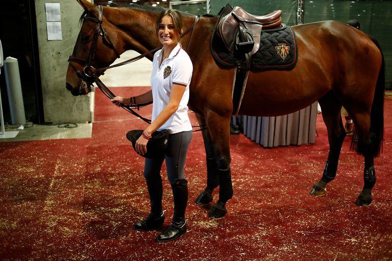 Se subió a un caballo cuando su padre famoso se alejó de Nueva York y ahora debutará en los Juegos Olímpicos