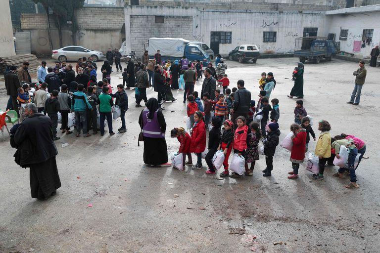 Tras una ofensiva militar siria, 250.000 personas escapan hacia Turquía