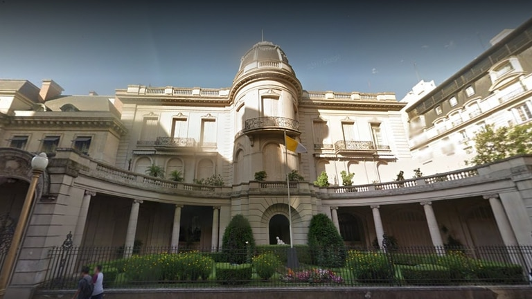La sede de la Nunciatura Apostólica, ubicada en la Avenida Alvear y Montevideo