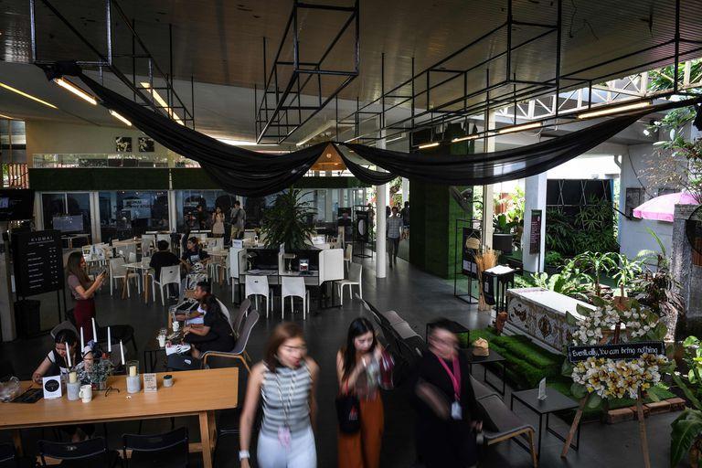 Disfrutar de un café en Bangkok puede invitarte a repensar cómo se disfruta la vida