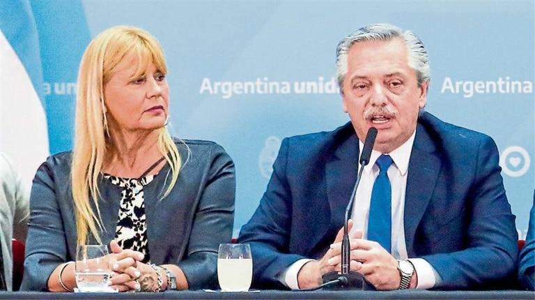 La ministra de Justicia, Marcela Losardo, una de las autoras de la reforma, y el Presidente