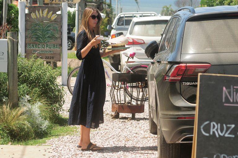 "El domingo a la mañana, Valentina (le dicen ""Tini"") acompañó a su mamá a José Ignacio para comprar una torta"