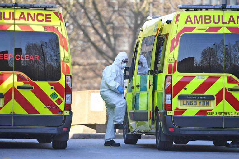 """Coronavirus: en Londres advierten que los hospitales enfrentan un """"tsunami"""" de enfermos"""