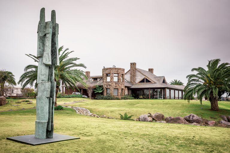 En 2001, Eduardo Costantini donó todas las obras que atesoraba al Malba y, desde entonces, le está dando forma a una nueva colección, que ya cuenta con seiscientas piezas