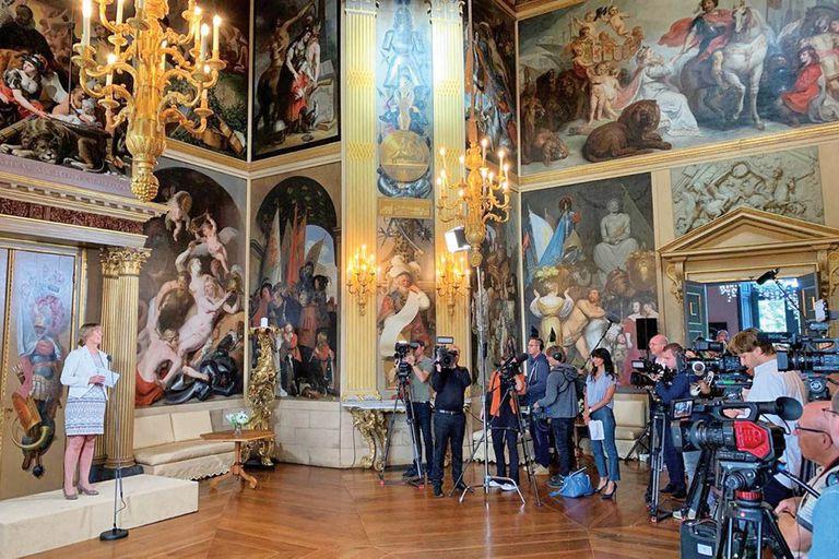 El pasado 3 de julio, la prensa pudo acceder a ese salón que la condesa Amalia von Solms dedicó a su marido, el estatúder Federico Enrique de Nassau, tras su muerte.