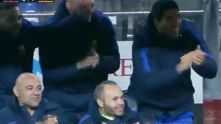 Suárez se paró y aplaudió