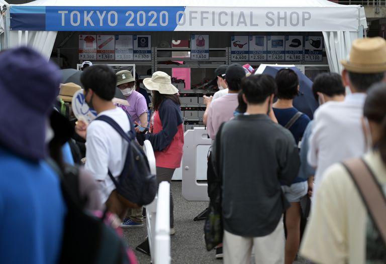 Espectadores japoneses: si no se puede alentar en vivo, solo queda comprar