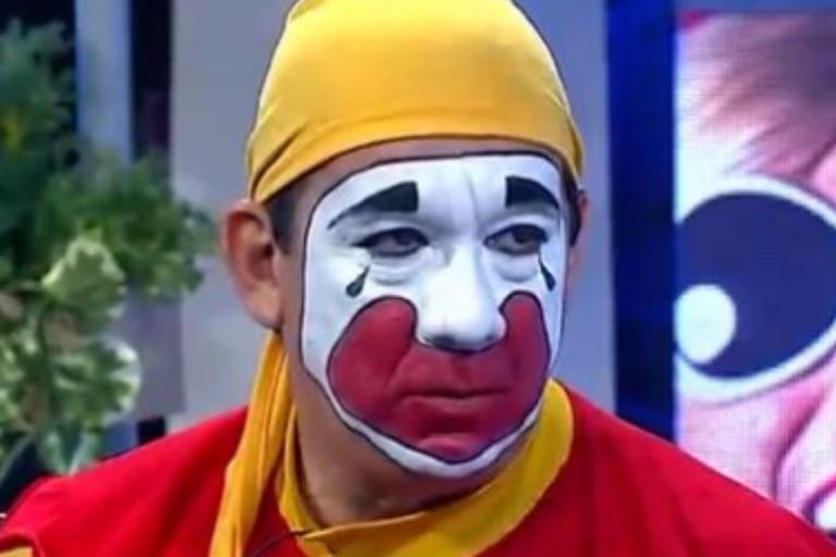 Piñón Fijo se indignó con un admirador que difundió una foto suya sin maquillaje