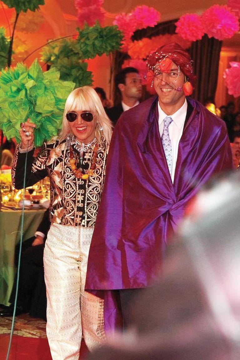 2005, La Noche del Color. Marta Minujín y su hijo, Facundo Gómez Minujín.