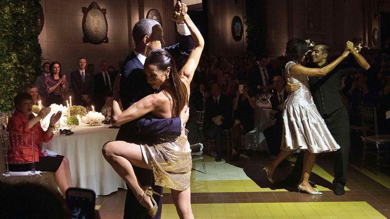 Durante su visita a la Argentina, Obama se atrevió a dar unos pasos de tango