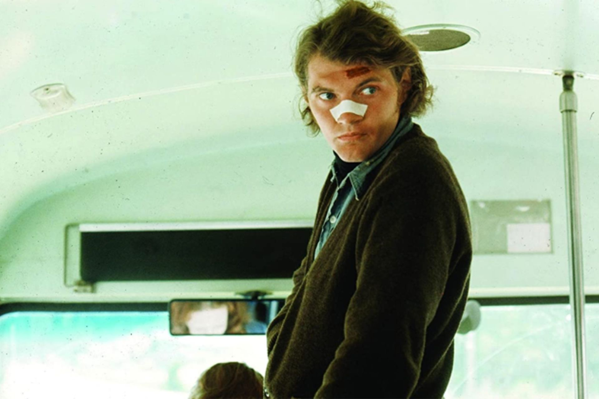 Andrew Robinson como el asesino que le quita el sueño a Harry el sucio