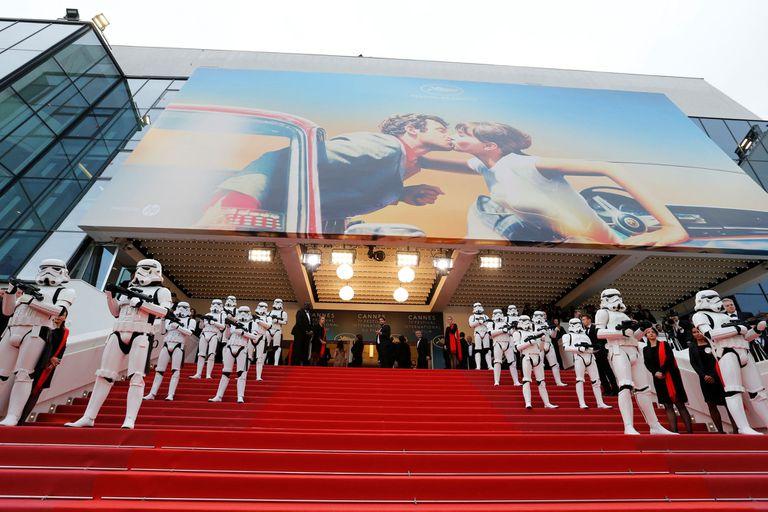 Los stormtroppers fueron parte del paisaje en la alfombra roja de Cannes