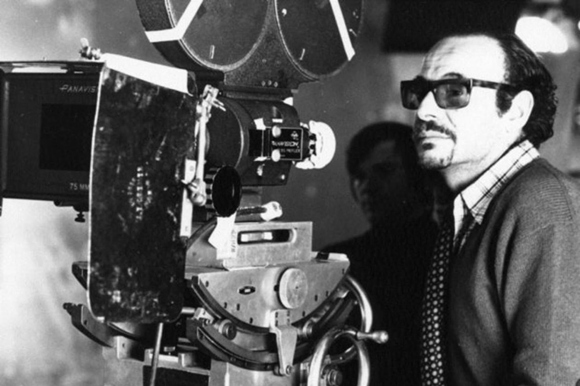 Hugo Santiago Muchnik nació el 12 de diciembre de 1935 en Buenos Aires y murió el 27 de febrero de 2018 en París