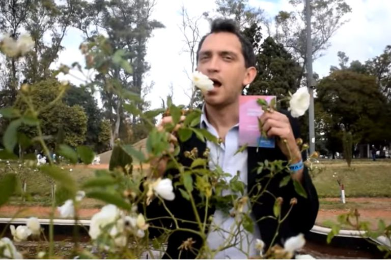 """Mariano """"Mumo"""" Oviedo es el protagonista del video viral """"Recuerdo de mi primera dosis"""""""