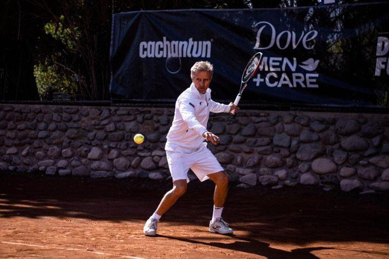 El argentino Horacio De la Peña, 31° del ranking en 1987, es el ideólogo de la gira sudamericana que ayudará al segundo y tercer escalón del tenis profesional.
