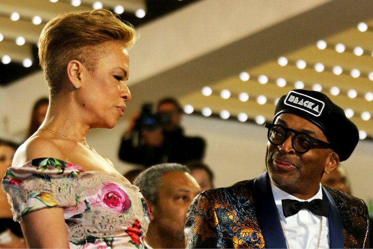 """Laura Harrier y Spike Lee, en la función de gala de """"Blackkklansman"""" en Cannes"""