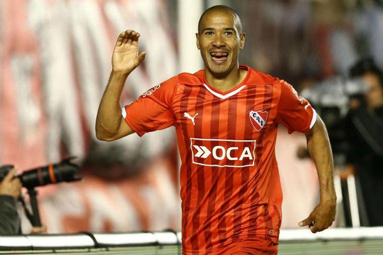 Diego Vera, en seis meses, se convirtió en uno de los mejores delanteros del Rojo
