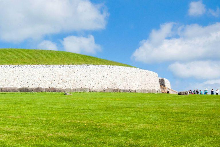 El mausoleo fue construido en el año 3200 antes de Cristo, unos siete siglos antes que la más antigua primámida egipcia