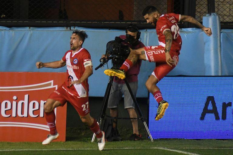 Copa Maradona: un gol de Hauche le dio la victoria a Argentinos contra Arsenal