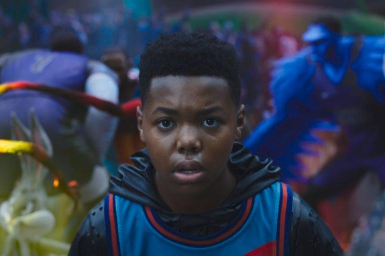 Cedric Jo interpreta a Dom, el hijo de LeBron James