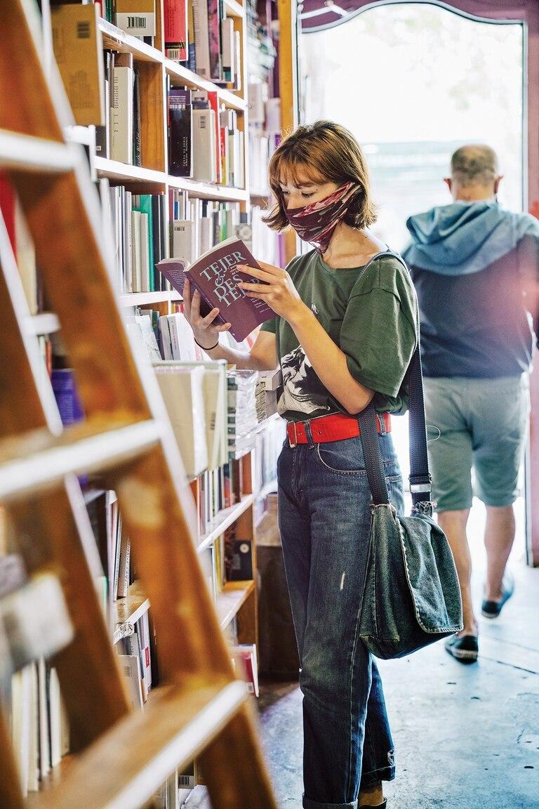 Aunque la gente no dejó de ir a las librerías, con la pandemia se potenció la venta online
