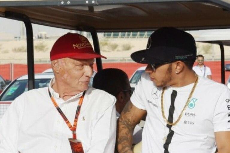 Niki Lauda le pidió perdón a Lewis Hamilton