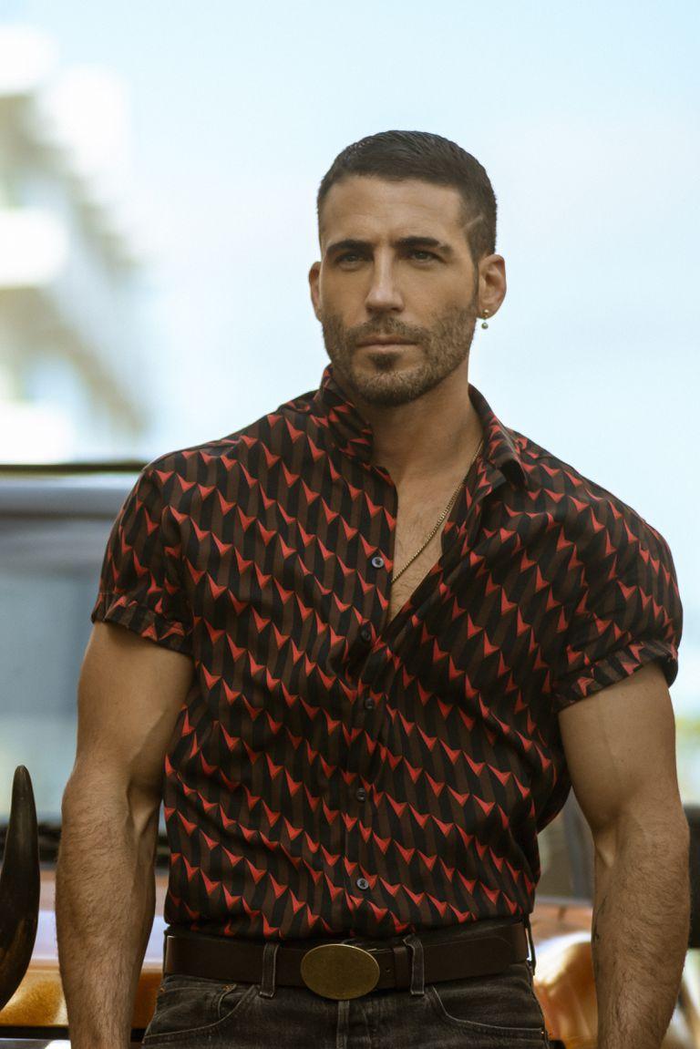 Miguel Ángel Silvestre actuó recientemente en otra producción de Pina para Netflix, Sky Rojo