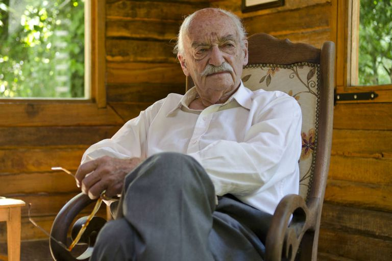René Lavand, el famoso ilusionista que trabajaba con naipes