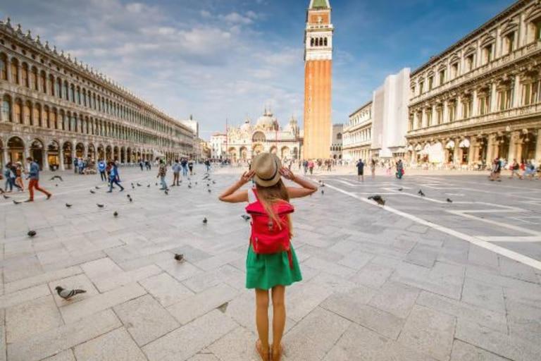 Importantes monumentos se encuentran en esta plaza, ubicada en el corazón de Venecia
