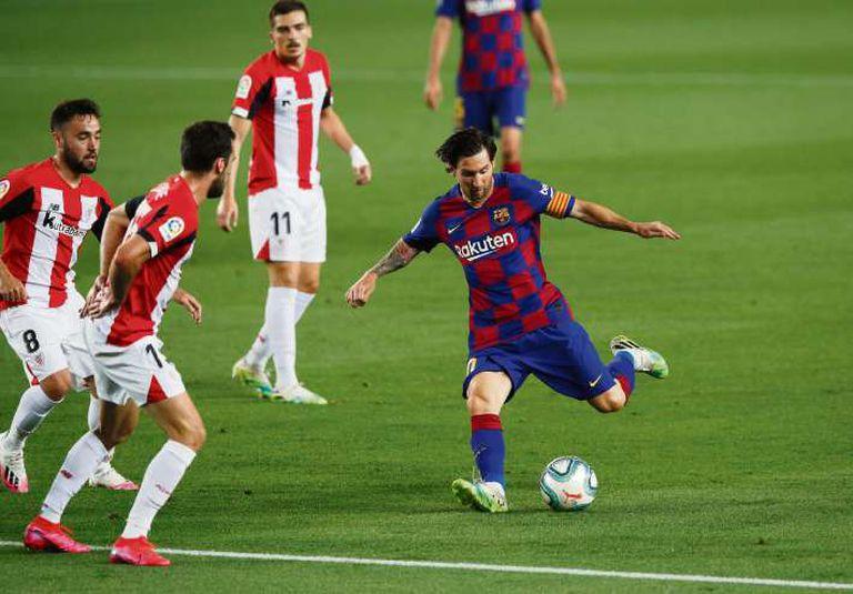 Lionel Messi en acción contra Athletic de Bilbao, el martes pasado.
