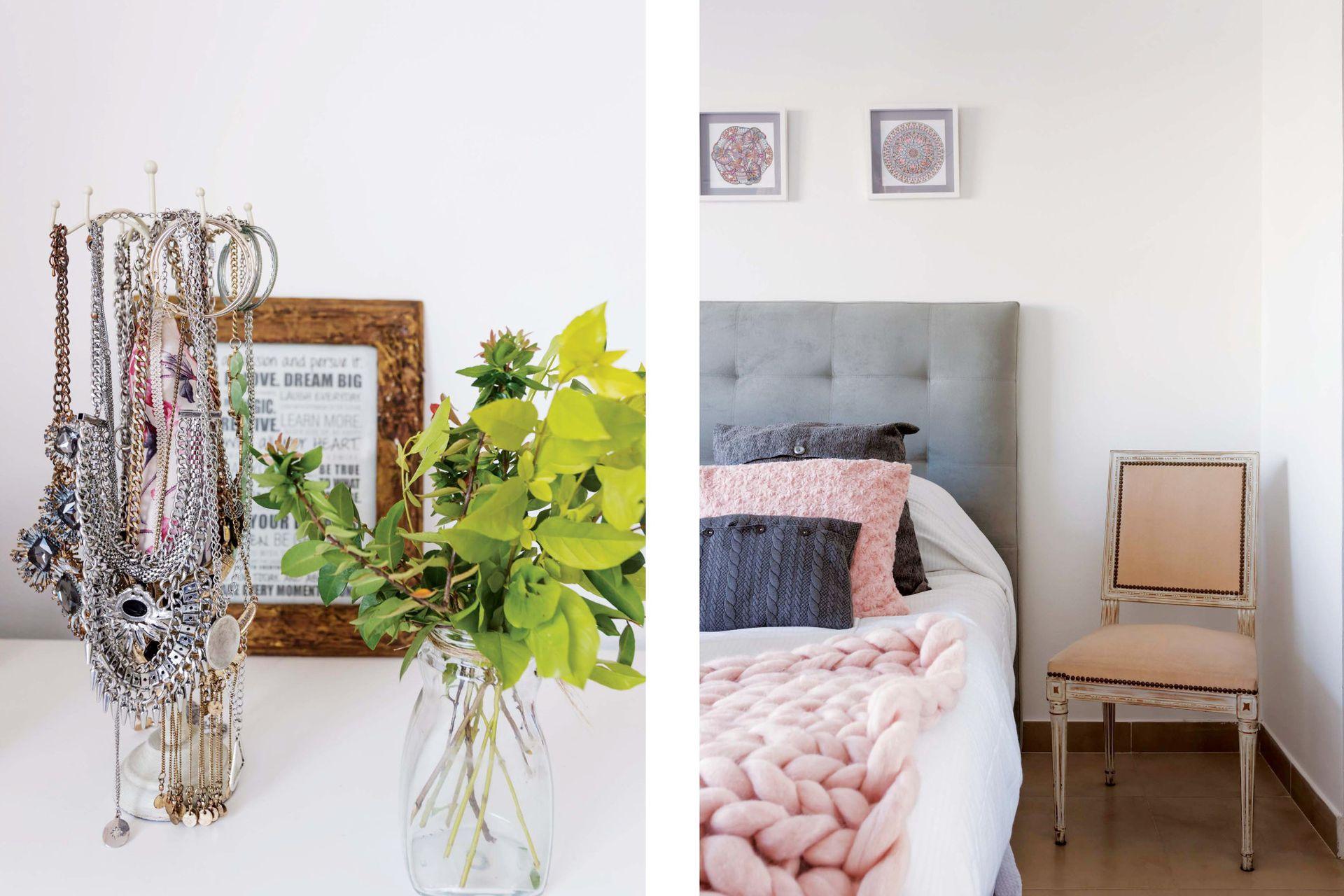 Una silla tapizada de rosa que le regaló una amiga hace las veces de mesa de luz. En la pared, mandalas enmarcados (Innova Creaciones).