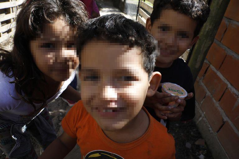 La falta de conectividad pone en jaque la trayectoria educativa de los niños del Barrio La Mascota, en Benavídez