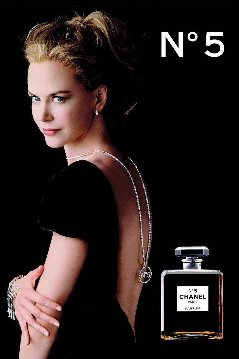 La leyenda se remonta a 1921, cuando la vanguardista Gabrielle Chanel creó una fragancia con Ernest Beaux, perfumista de los zares