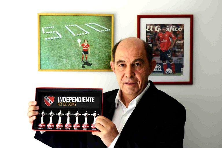 Ricardo Bochini, máximo ídolo de Independiente, saludó a los hinchas del Rojo en su día desde cuenta oficial en Twitter.