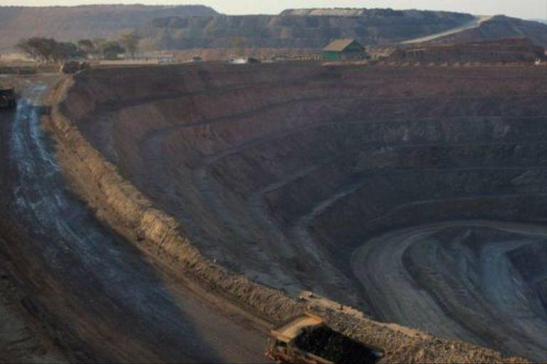 Una nueva mina a cielo abierto en Lowezi, República Democrática del Congo, donde son extraídos cobalto y cobre
