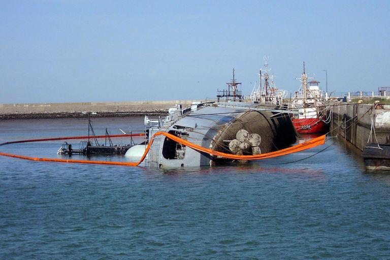 Un juez frenó el desguace de un buque ordenado por Alberto Fernández