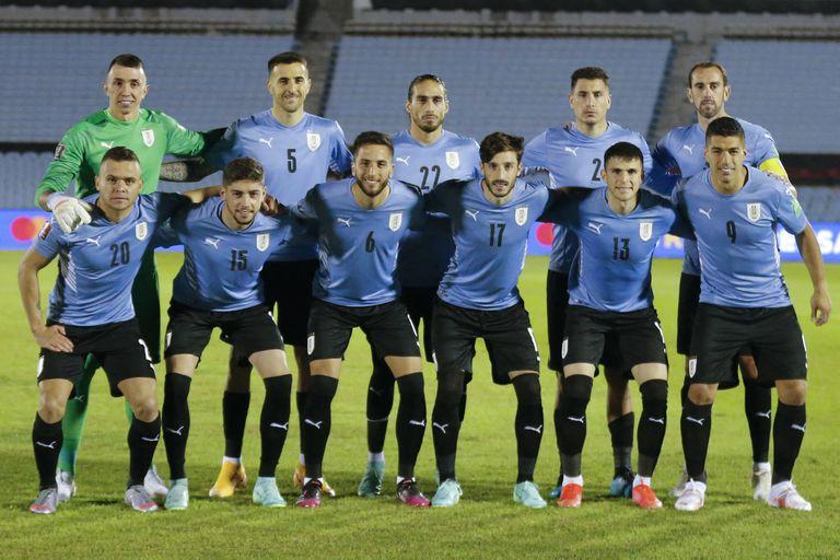 Oscar Tabárez eligió a 28 futbolistas para disputar la Copa América con la selección uruguaya
