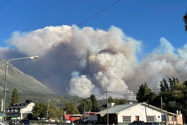 Impactantes imágenes de los incendios en El Bolsón