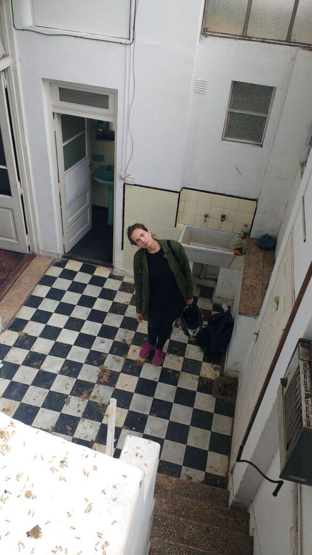 Torunn recorre la propiedad que va a remodelar